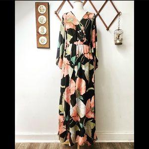 Lulumari • Floral Flowy Maxi Dress